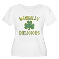 Magically Delicious Womens Plus Size Scoop Neck T