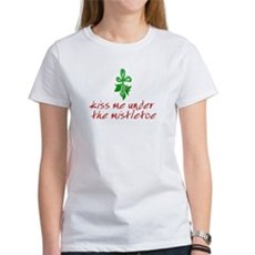Kiss me under the mistletoe Womens T-Shirt