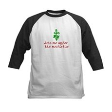 Kiss me under the mistletoe Kids Baseball Jersey